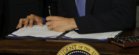 obama-signs-health-care-reform-bill