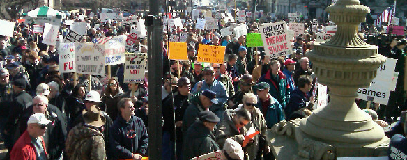 thousands-michigan-capitol-lawn-morning-march16